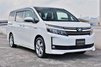 Toyota Voxy Hybrid 1.8 V